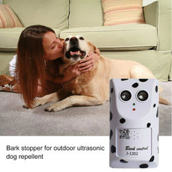 Ultraconic Pet Dog Repeller Wall Mounted Dog Repellent Outdoor Silencer Hanger Training Device Anti Barking Dog Silencer Tool