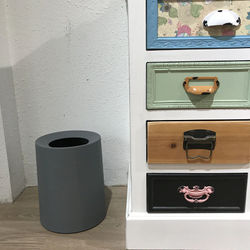 Simple Modern Trash Can Creative Nordic Plastic Small Round Trash Can Kitchen Home Office Cubo De Basura Household Items BS50TC