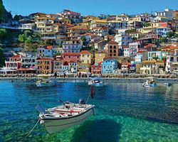 White Mountain Puzzles Greece Parga - 1000 Piece Jigsaw Puzzle