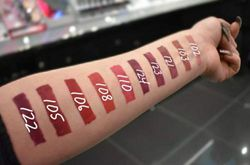 (Rosy Mauve) - KIKO MILANO - UNLIMITED DOUBLE TOUCH Long-lasting liquid lipstick with a bright finish in a two-step application colour Rosy Mauve 120.