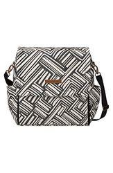 Bolso para carrito de bebé Boxy Backpack de Petunia Pickle Bottom. Amplio y versátil incluye cambiador y correas para colgar del cochecito. Color Brushes