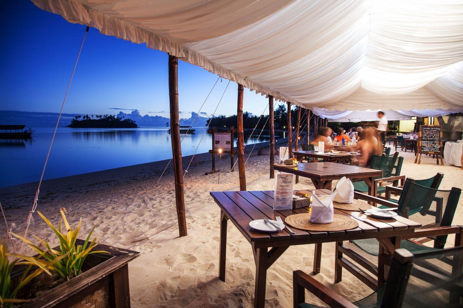 36.-Pacific-Resort-Rarotonga-Beachfront-dining