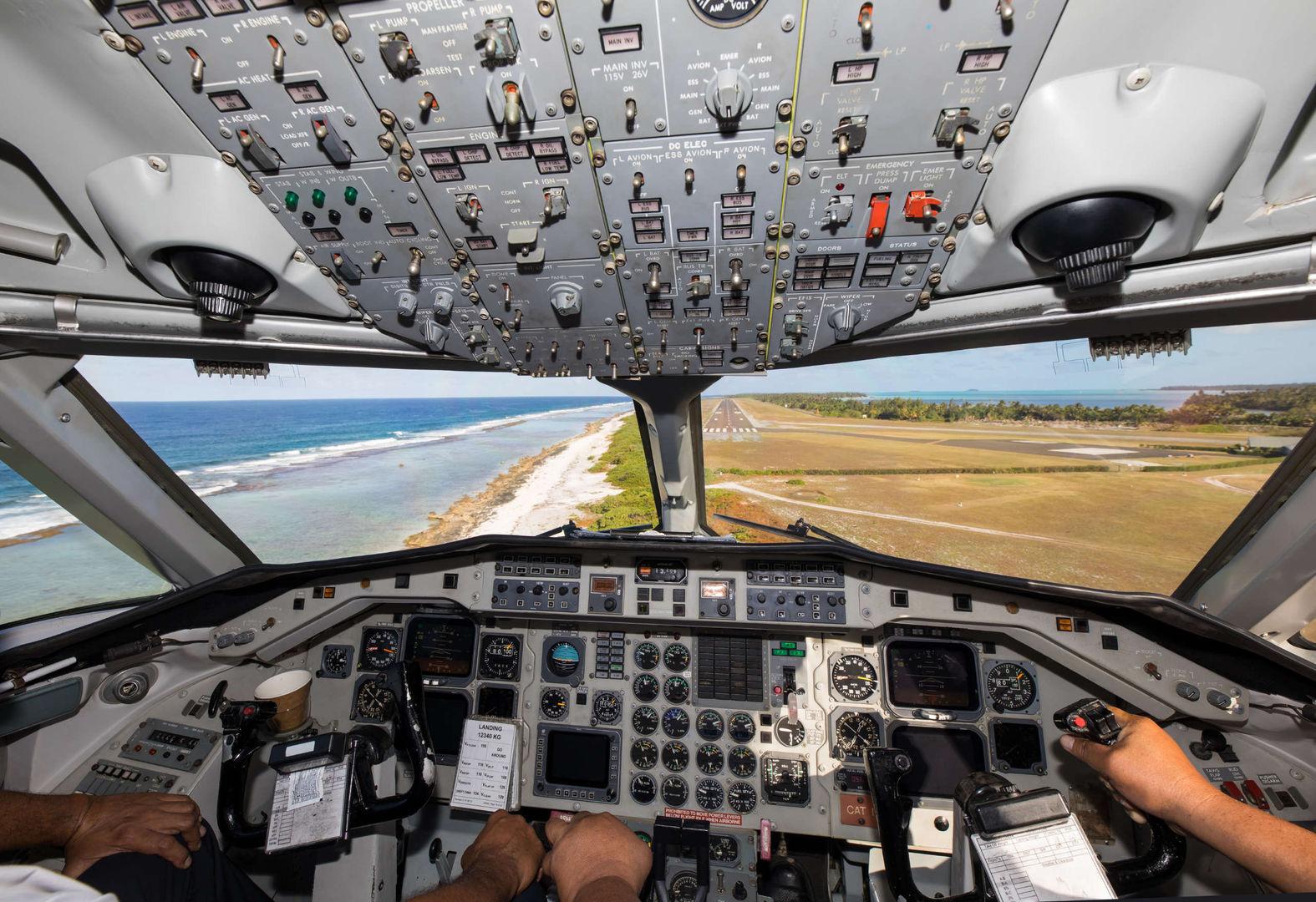 Saab340A cockpit photo of copilot landing in Aitutaki 2560