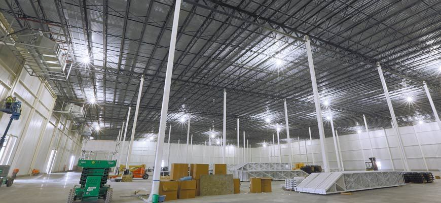 300,000 square foot warehouse with steel joists and deck