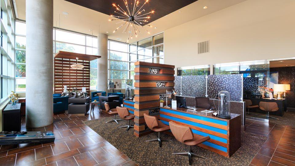Open-span lobby design