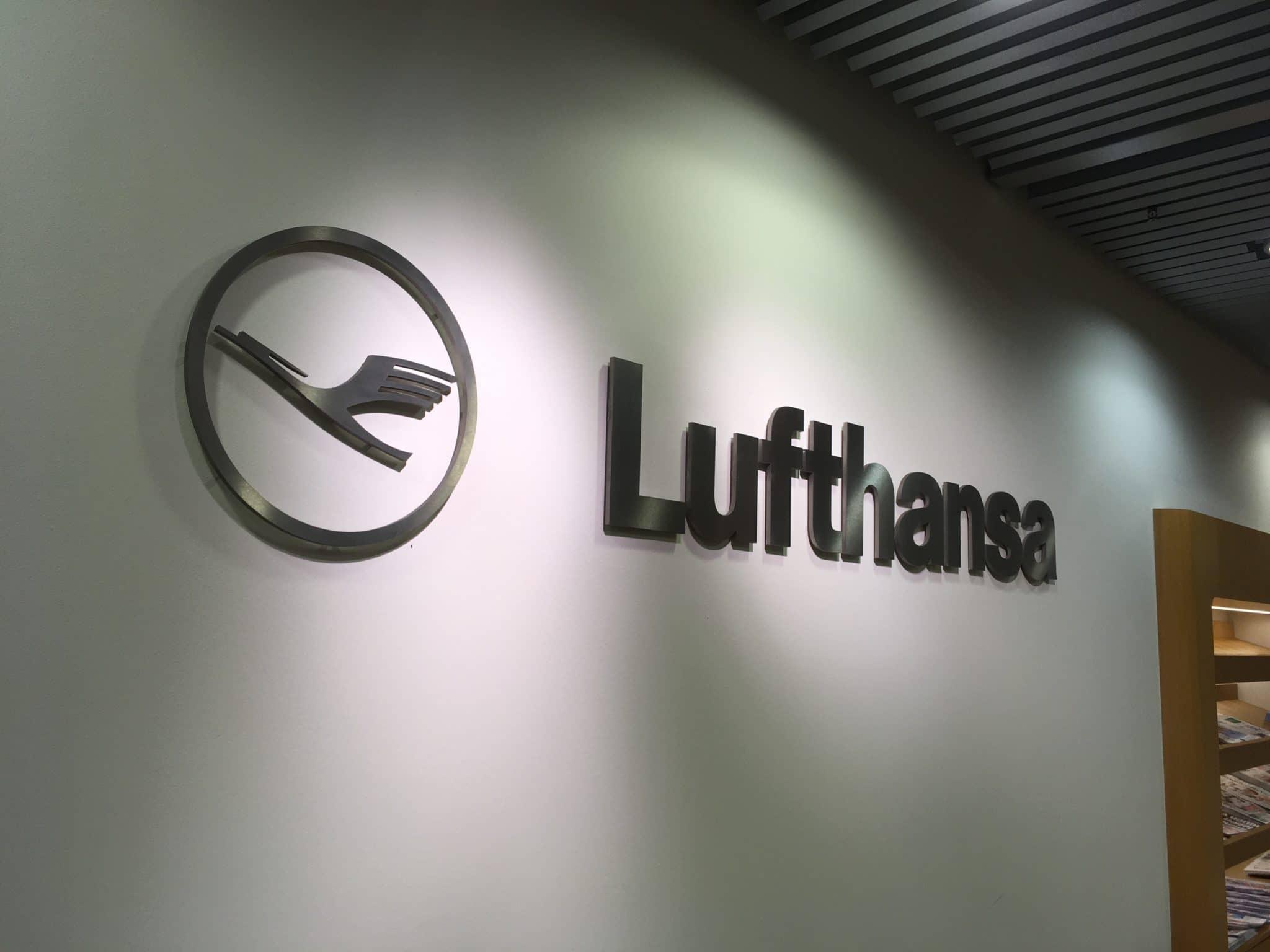 Lufthansa Senator Lounge Frankfurt B Lufthansa Logo