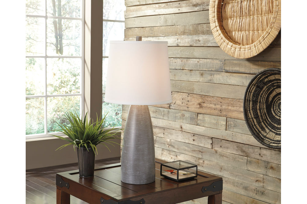 Signature Design by Ashley Shavontae Lamp Set