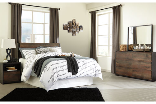 Signature Design by Ashley Windlore 4-Piece Queen Bedroom Set- Room View