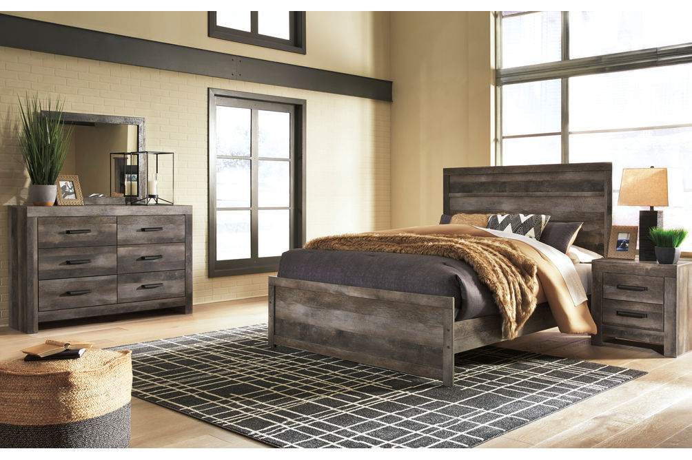 Signature Design by Ashley Wynnlow 5-Piece Queen Bedroom Set- Room View