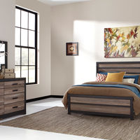 Signature Design by Ashley Harlinton 6-Piece Queen Bedroom Set- Room View