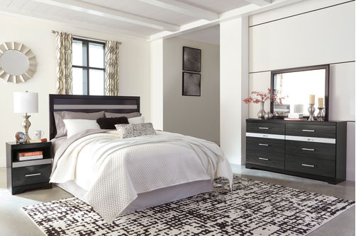 Signature Design by Ashley Starberry 4-Piece Queen Bedroom Set- Room View