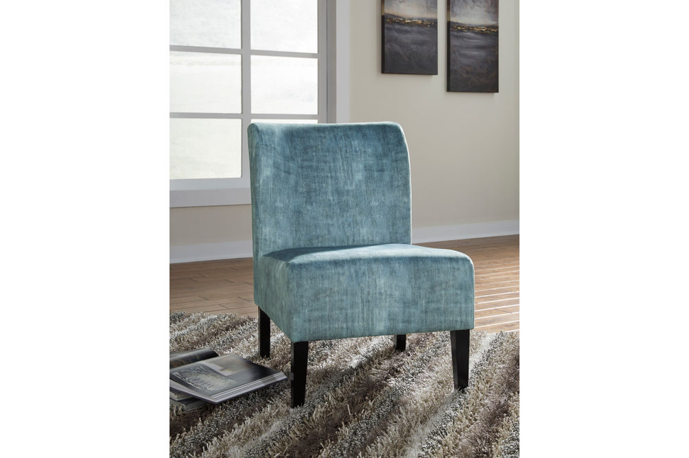 Signature Design by Ashley Triptis Moonstone Accent Chair - Sample Room View
