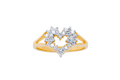 Womens 10K Gold 1/4 CT.T.W. Diamond Heart-Shaped Fashion Ring
