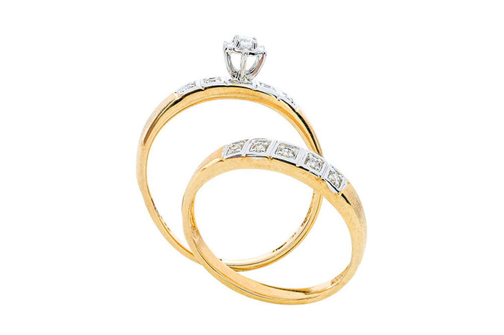 Womens 10K Gold 1/8 CT.T.W. Diamond Engagement and Wedding Set- Side View