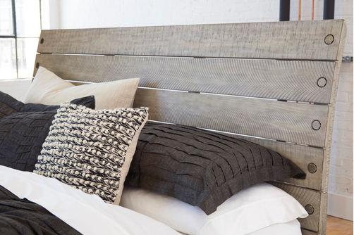 Benchcraft Naydell King Storage Bed