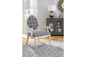 Signature Design by Ashley Kornelia Accent Chair - Sample Room View