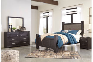 Signature Design by Ashley Reylow 6-Piece Queen Poster Bedroom Set - Sample Room View