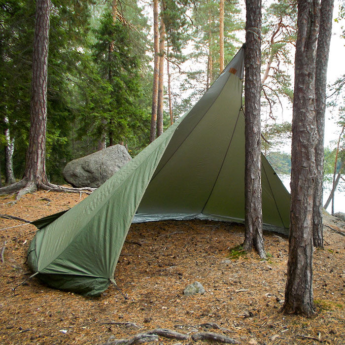 Vihe Vaellus Loue I Shelter ... & Camping Tents Tarps and Family Tipis | Ray Mears