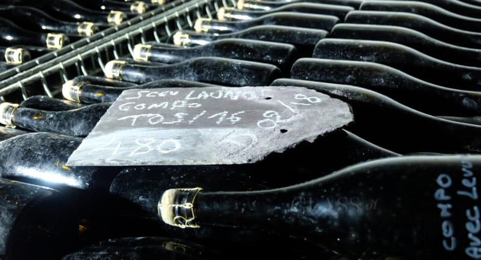 champagne storage ways