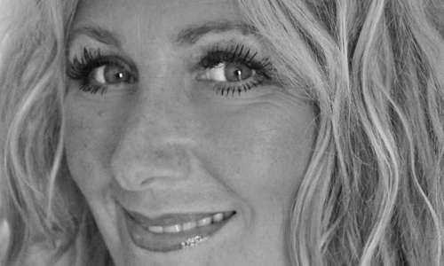 Celebrity Interview: Amanda Prowse