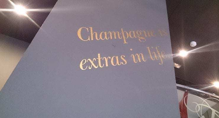 Champagne_extras_in_life