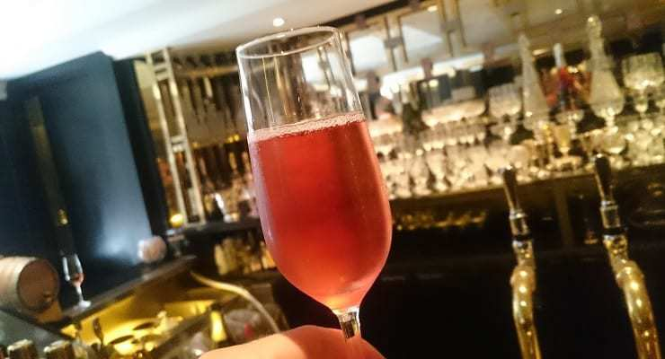 Rose_Champagne_in_glass