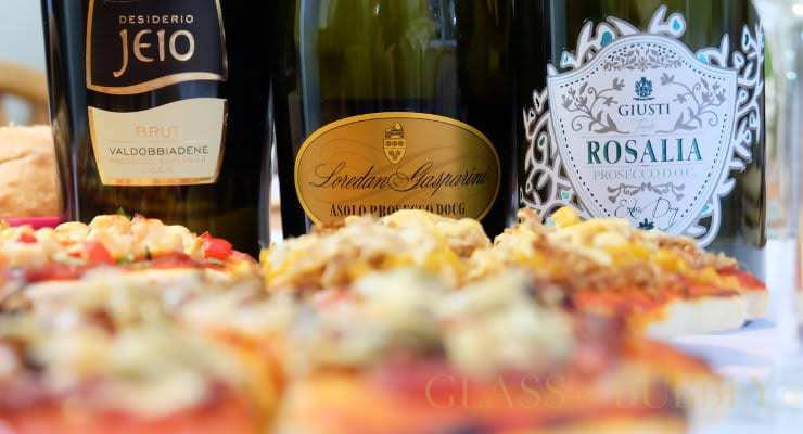 three_proseccos_and_8_pizzas