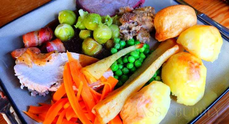 christmas_dinner_plate_with_pepper