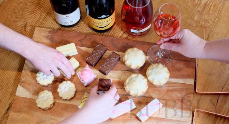mr_kipling_cakes_and_fizz_TITLE_IMAGE