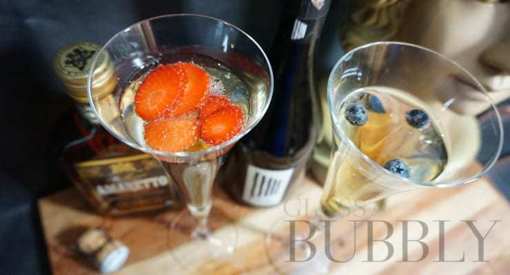 Amaretto_and_Prosecco_cocktails