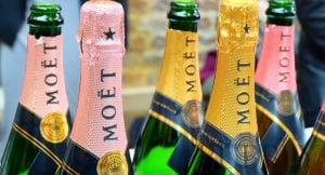 the difference between champagne and prosecco