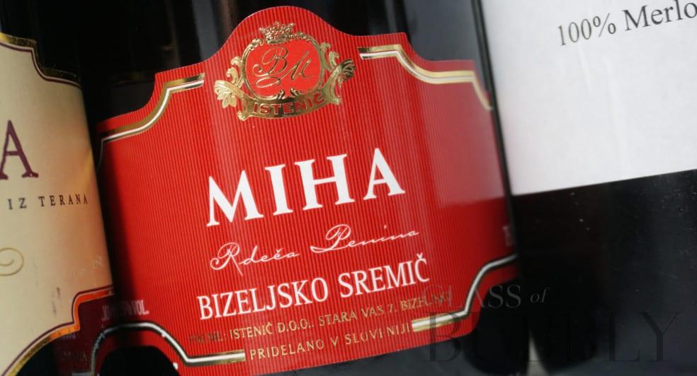 Istenic Miha red sparkling wine
