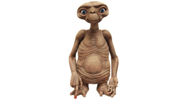 Lifesize E.T. figure