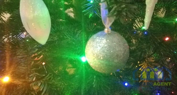 Christmas Decorations - Good or Bad for Selling