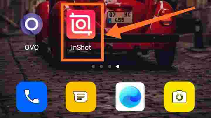Menggabungkan foto dan video dalam satu frame Online