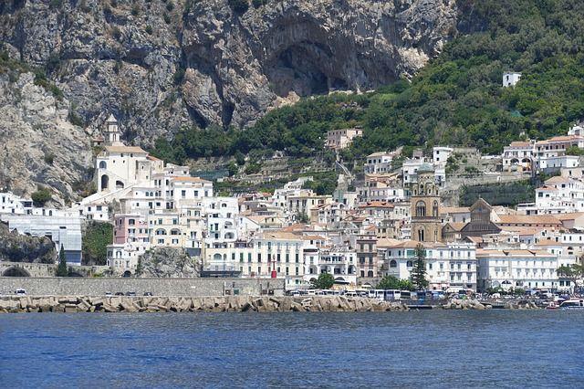amalfi-coast-3521939_640