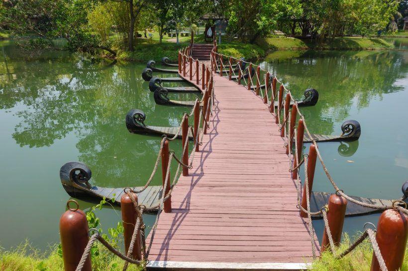bridge-3628615_1280