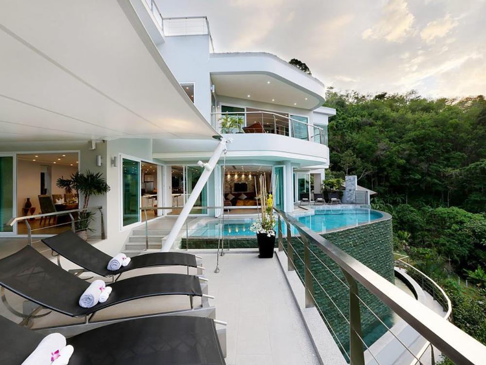 Villa Beyond Photo 1