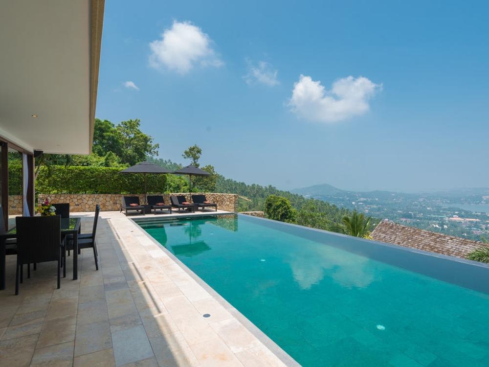 Villa Enam Photo 1