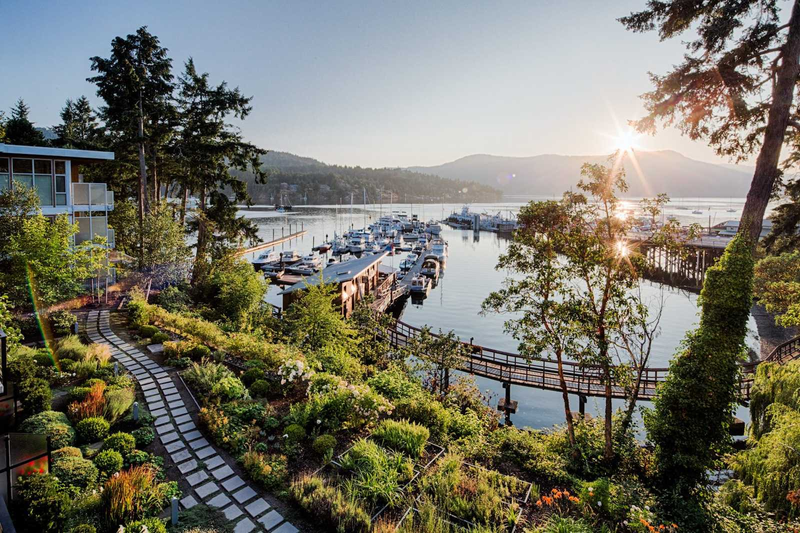 5 summer vacations in canada - brentwood bay vancouver island