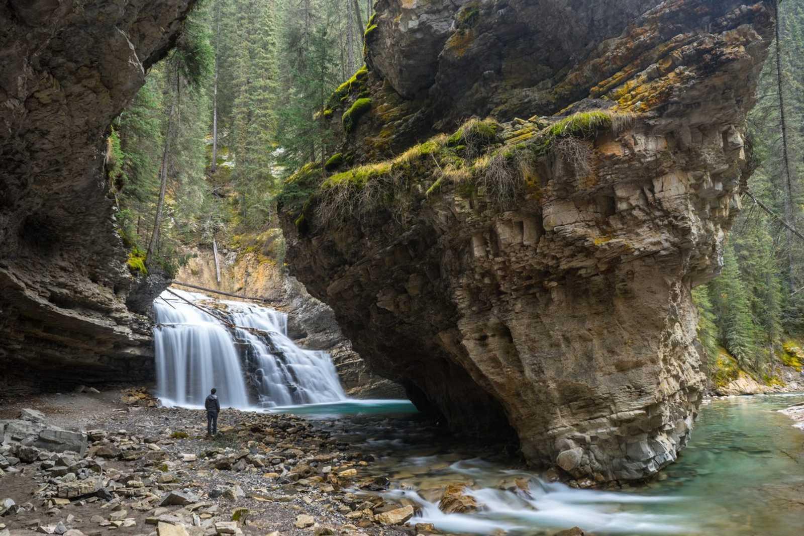 Banff secret spots - johnston canyon