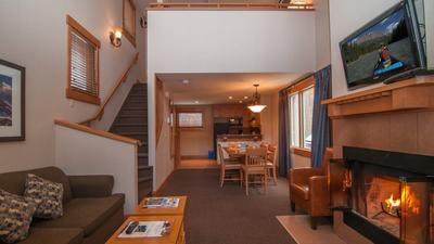 2 Bedroom Condo + Loft (3 Queens) photo 0