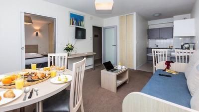 Escapade 4p (1 Bedroom Apartment for 4) photo 0