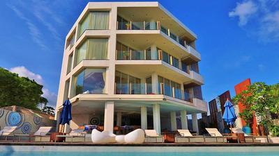 Skybox Beachfront Penthouse photo 0