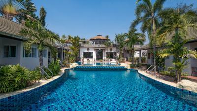 Phoenix Luxury Resort photo 0