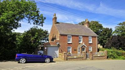 Manor Villa photo 0