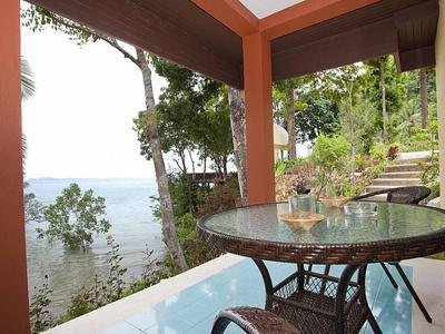 Krabi Beachfront Oceanside Suite Photo 2