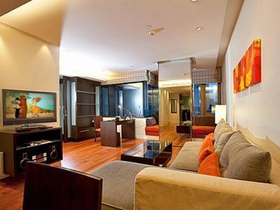 Sala Daeng Deluxe Suite 605 Photo 4