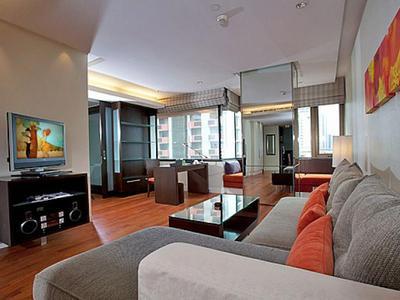 Sala Daeng Designer Suite Photo 4