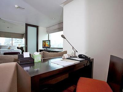 Sala Daeng Deluxe Suite 1207 Photo 5